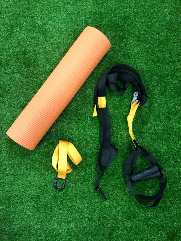 Outrivals-home-workout-kit-TRX-web-suspension-trainer